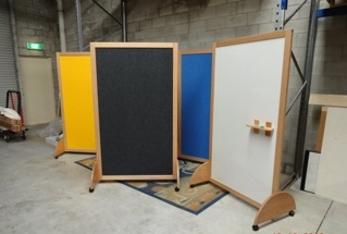 Felt pinboard mobile partition